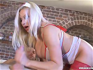 Michelle Thorne massage parlour offers jaws vagina plow