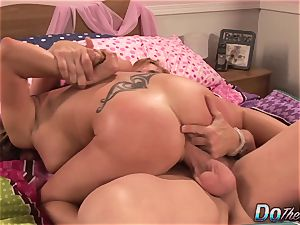 cuckold hubby Helps wife Mariah Silver as She bj's and bangs a hefty chisel