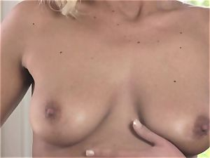 stunner Lexi guzzle gets crazy scorching pleasuring her simmering steamy slits