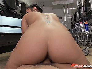 Caught on camera in the laundrette with jaw-dropping babe Morgan lee