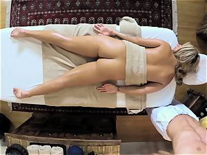 molten ash-blonde Madelyn Monroe plunged in her raw cunt