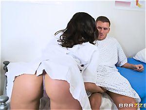 Darcia Lee feasting on a yam-sized boner