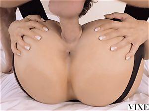 VIXEN Eva Lovia's most mighty episode