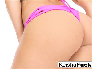 warm porn industry star Keisha gets her humid vag poked