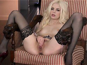 wonderful Bree Daniels luvs teasing her jiggly wet fuckhole
