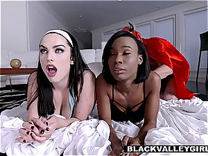 girlfriends have a sleepover sex