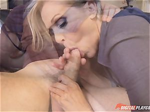 Julia Ann pussy crammed on mothers day