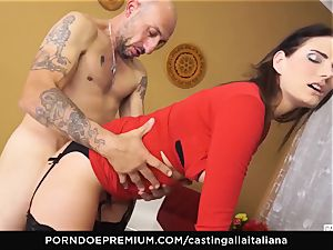 casting ALLA ITALIANA - huge-chested brown-haired loves wet buttfuck