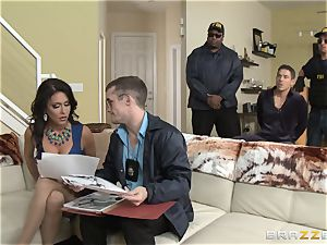 Criminals wife Jessica Jaymes torn up by a sizzling cop