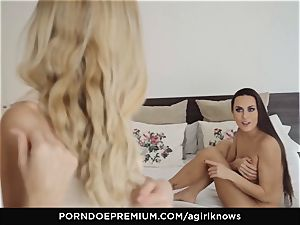 A dame KNOWS - Mea Melone in heavy sapphic lovemaking