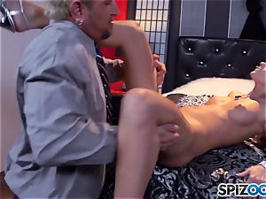 Jessa Rhodes jiggly taut cunny is boinked by a phat trunk