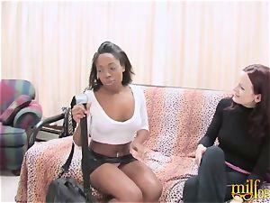 Bored mummy plowed by girly-girl black