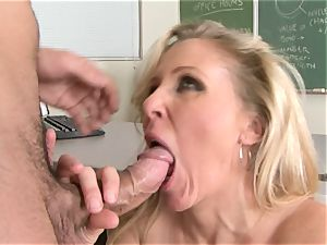 Julia Ann is a hardcore mummy who wants to put her cunt on a hard rod