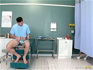 scrotum busting nurse Karlee Grey jacks meatpipe with relief