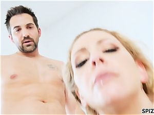 Spizoo - Step mummy Cherie Deville gets plumbed